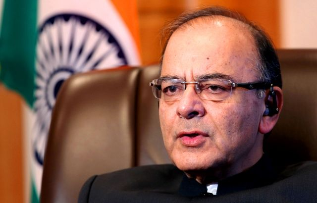 अरुण जेटली ने कहा रुपये में गिरावट के पीछे वैश्विक कारण, भारत को कोई तनाव लेने की ज़रूरत नहीं