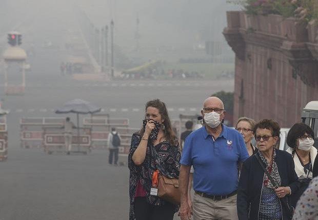नई दिल्ली: हवा की गुणवत्ता बेहद निचले स्तर पर, वातावरण हुआ प्रदूषित।