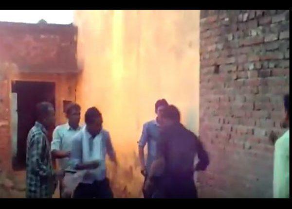 Uttar Pradesh: बेटे ने मां को मौत के घाट उतारा, आग में झोंका शराब के लिए