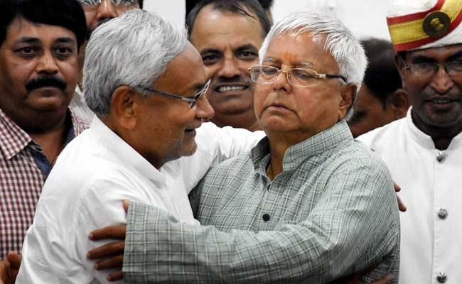 नीतीश कुमार ने लालू यादव और उनके परिवार को पद के दुरुपयोग मामले में दी 'क्लीन चिट'
