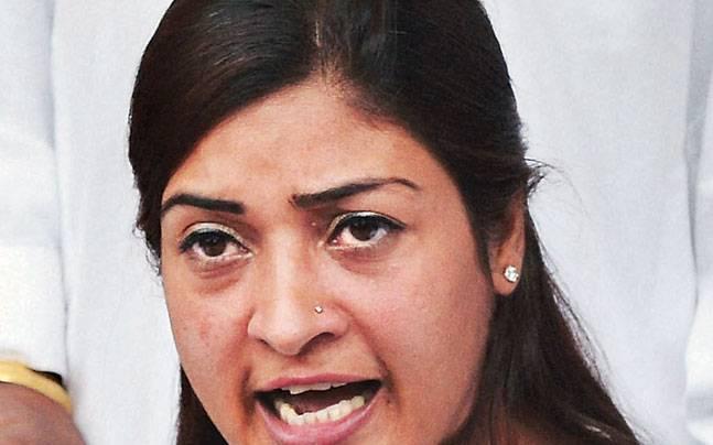 अलका लांबा ने 'हनुमान चालीसा' का उड़ाया मजाक