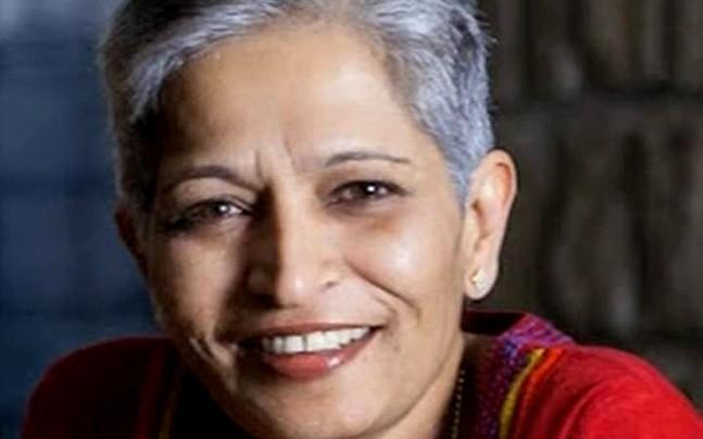 बैंगलुरू: वरिष्ठ महिला पत्रकार गौरी लंकेश को घर में घुसकर मारी गोली, मौके पर ही हुई मौत