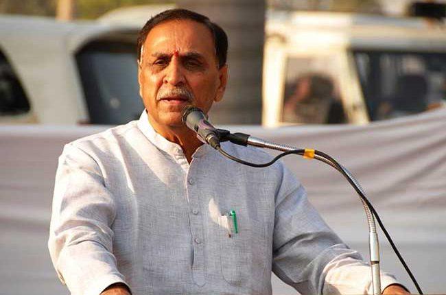 गुजरात: चुनाव से पहले नया सियासी उबाल, CM विजय रुपानी ने अहमद पटेल पर लगाये गंभीर आरोप