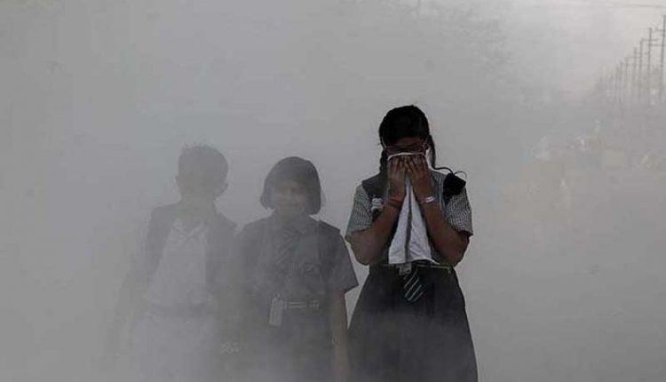 NGT बोली-दिल्ली में इमर्जेंसी जैसे हालात, मेट्रो को किराया घटाने और फेरी बढ़ाने का निर्देश