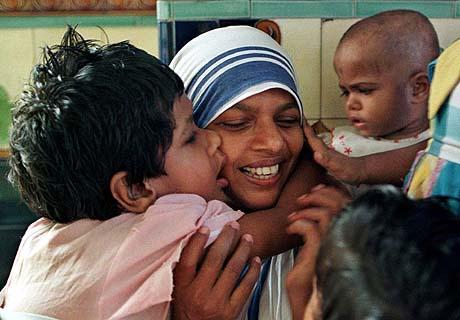 मिशनरीज ऑफ चैरिटी  होम में चल रही थी नवजात बच्चों की तस्करी