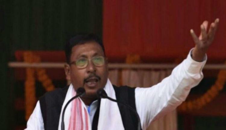 केंद्रीय रेल राज्य मंत्री पर  रेप का आरोप