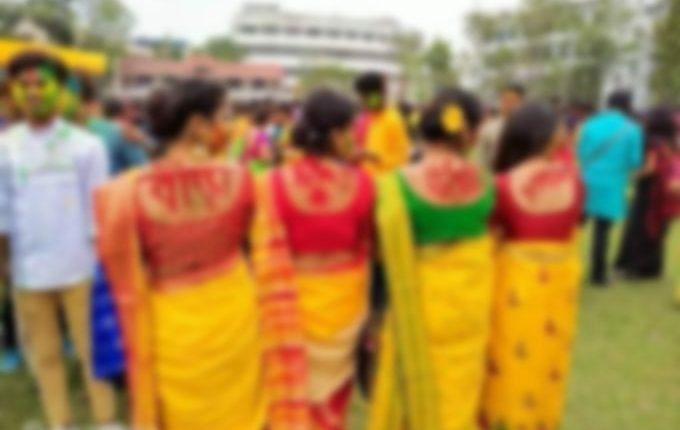 प. बंगाल : रवींद्र भारती विश्वविद्यालय में वामपंथी अपनी घटिया हरकतों से कर रहे होली उत्सव को दूषित।