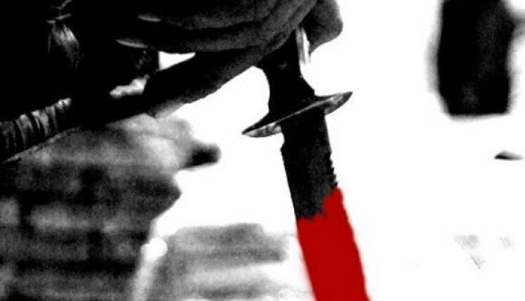 दिल्ली-महरौली : ट्यूशन टीचर ने पत्नी समेत 3 बच्चों की गला रेतकर हत्या की।