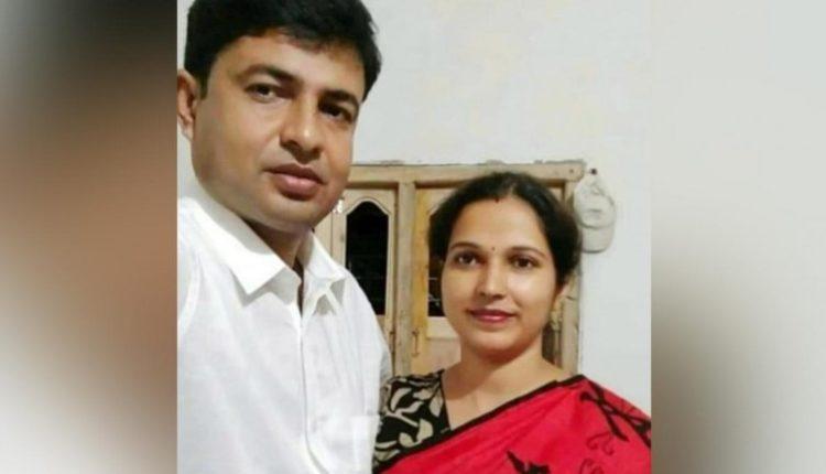 पश्चिम बंगाल : मुर्शिदाबाद में पत्नी और बेटे सहित 'RSS कार्यकर्ता' की हत्या।