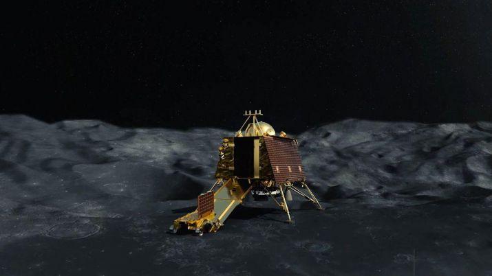 चंद्रयान- 2: चांद पर विक्रम लैंडर की लोकेशन मिली, संपर्क करने की कोशिशें जारी