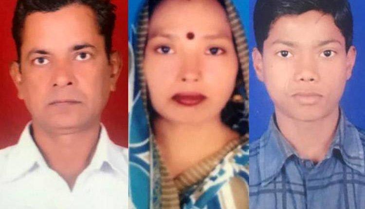 दिल्ली हत्याकांड : महिला पर किये गए 50 बार चाकू से वार ! मदद के लिए चीखता रहा परिवार