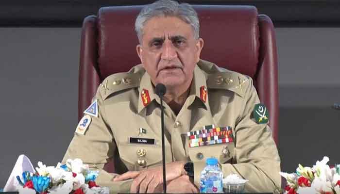 पाक आर्मी चीफ जनरल बाजवा के खिलाफ आए 7 वरिष्ठ आर्मी अधिकारी।