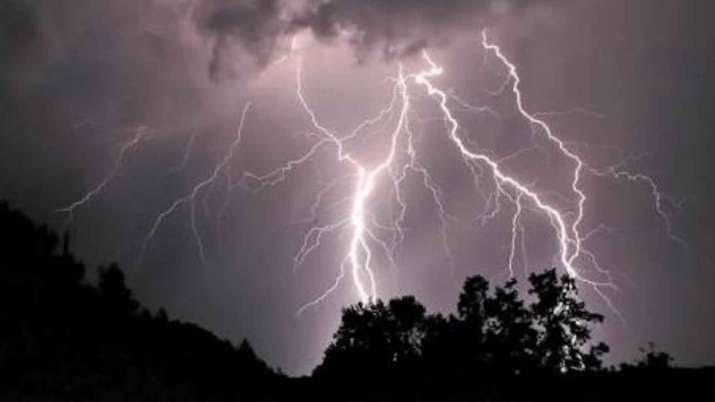 ओडिशा: बिजली गिरने से 6 लोगों की मौत, 2 अन्य घायल