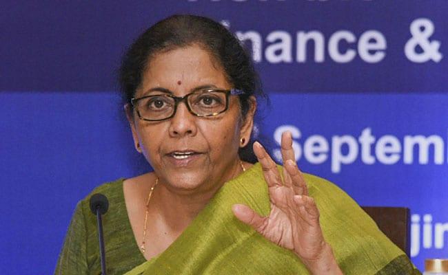 भारत अपनी आर्थिक मजबूती को अमेरिकी प्रतिबंधों के लिए बलिदान नहीं कर सकता : निर्मला सीतारमण