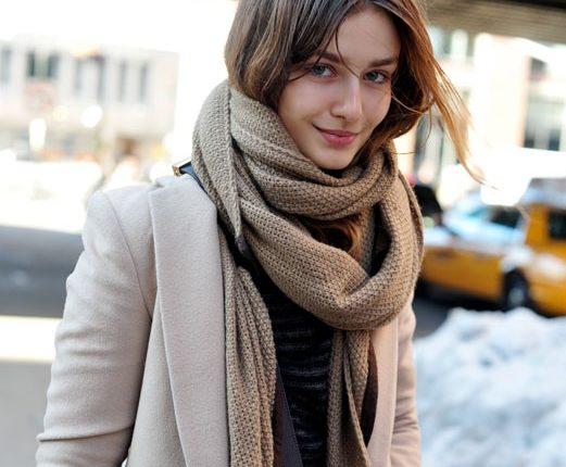 स्कार्फ के नए अंदाज़, हर ड्रेस के साथ कैसे पहने स्कार्फ़ और दिखें स्टाइलिश