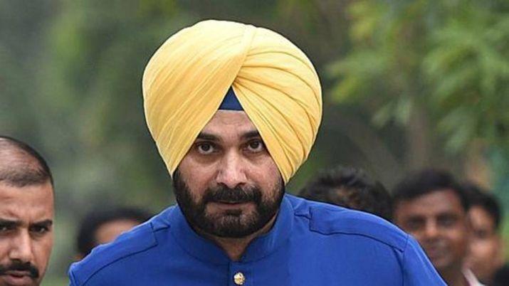 पंजाब मंत्रिमंडल से नवजोत सिंह सिद्धू ने दिया इस्तीफा, Tweet कर दी जानकारी।
