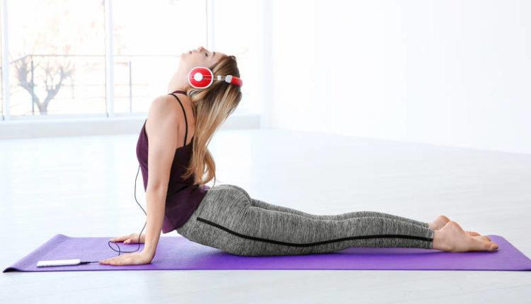 स्वस्थ रखना है अपना दिल, सोने से पहले योग करें और संगीत सुने