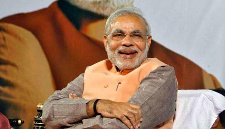 PM MODI की है सबसे ज़्यादा ऑनलाइन फॉलोइंग, राजनेताओं को पसंद है हिंदी में ट्वीट करना