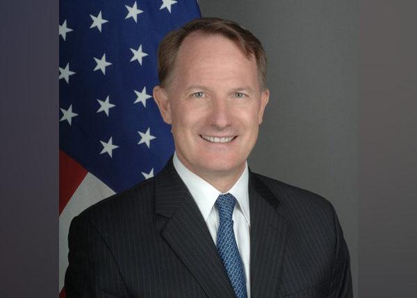 अमेरिका के शीर्ष राजनयिक डेनियल स्मिथ भारत में नए अमेरिकी राजदूत हुए नियुक्त ।