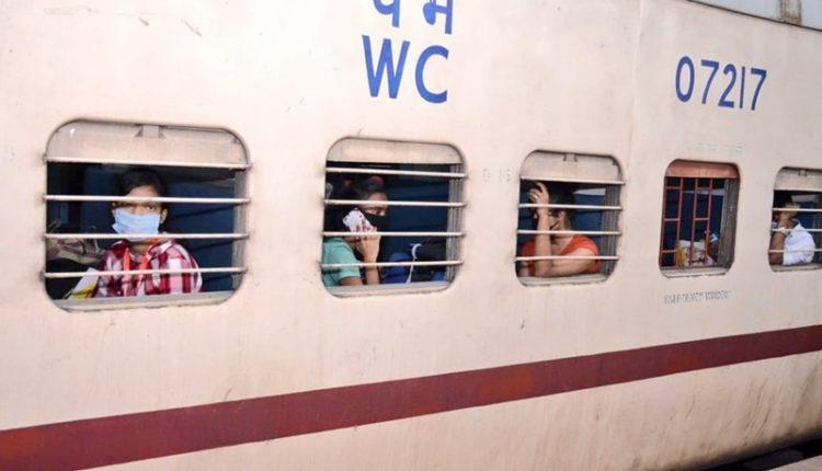 अगले 10 दिनों तक 2600 श्रमिक ट्रेनें चलाकर प्रवासियों को घर पहुंचाएगा रेलवे।