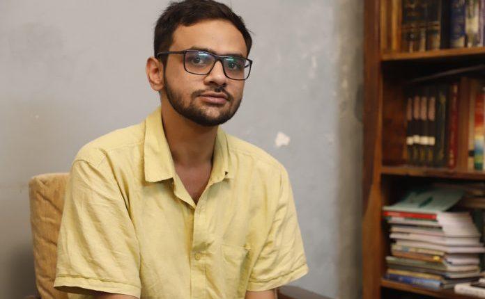 भाषणों से दिल्ली में दंगा भड़काने के आरोप में उमर खालिद की हो सकती है गिरफ्तारी।