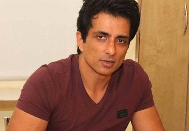 बीएमसी के खिलाफ सुप्रीम कोर्ट में याचिका दायर करने वाले अभिनेता सोनू सूद ने अपनी याचिका वापस ली।