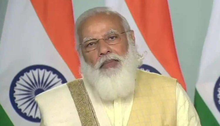 पीएम मोदी ने राज्यों में ऑक्सीजन की आपूर्ति के लिए समीक्षा बैठक की ।