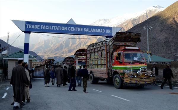 LOC पर नकली मुद्रा की फंडिंग के चलते पाकिस्तान के साथ होने वाले व्यापार को सरकार ने किया बंद